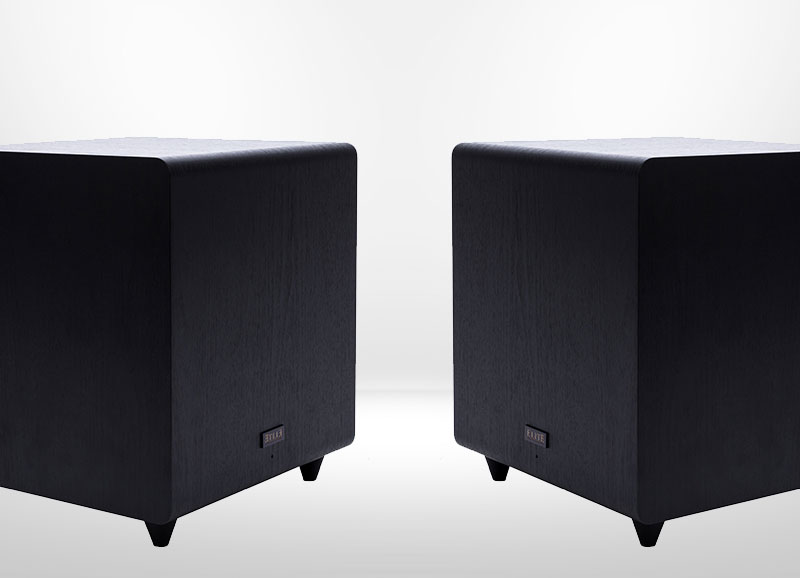 2 Subwoofer Pre-Outs